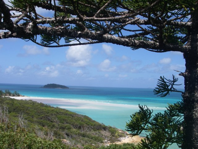 Exploring :: Whitsundays Sailing Adventures
